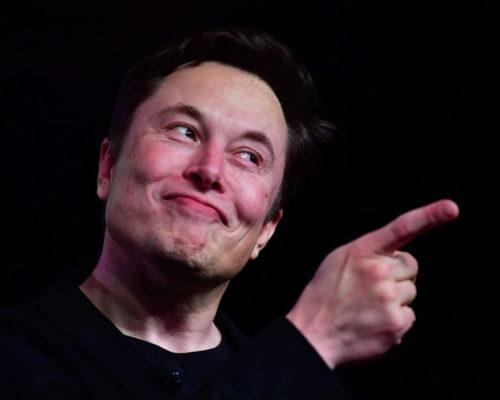 Bilionário Elon Musk